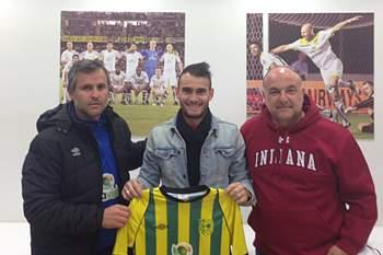 Jorge Monteiro assina pelo AEK Larnaca