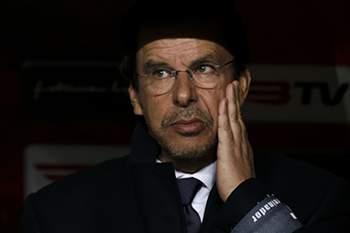 Nacional da Madeira's head coach Manuel Machado reacts before their League Cup match against SL Benfica held at Luz Stadium in Lisbon, Portugal, 30 December 2014. JOSE SENA GOULAO/LUSA