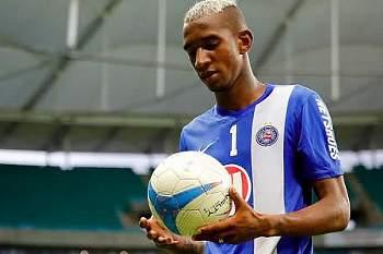 Médio brasileiro do Bahia apontado ao Benfica.