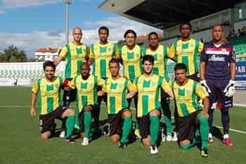 Equipa da II Liga prolongou vínculo a Rui Raínho e Barbosa