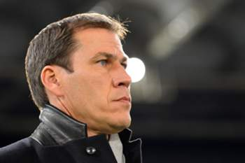AS Roma's French coach Rudi Garcia looks on before the Italian Serie A football match AS Roma vs Cagliari on November 25, 2013 at Rome's Olympic stadium. AFP PHOTO / ANDREAS SOLARO