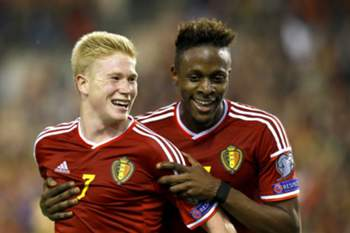Belgium's Kevin De Bruyne (L) and Belgium's Belgium's Divock Origi (R) celebrates after scoring a goal during the UEFA EURO 2016 qualification soccer match Group B between Belgium and Andorra, at the King Baudouin in Brussels, Belgium, 10 October 2014.