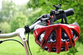 <p>9<br />E por falar em outdoor, que tal pegar na sua bicicleta e pedalar? Atividades diversificadas reduzem a hipótese de desenvolver doenças cardiovasculares.</p>