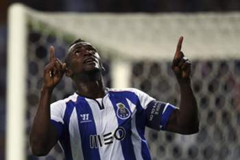 epa04404727 FC Porto's Jackson Martinez celebrates after scoring a goal against FC Bate Borisov during their UEFA Champions League group H soccer match at Dragao stadium in Porto, Portugal, 17 September 2014. EPA/JOSE COELHO