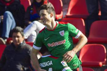 Athletic Bilbao's Aritz Aduriz (R) celebrates with his teammate Mikel Balenziaga (L) after scoring his second goal during the Spanish Primera Division soccer match between Levante UD and Athletic Bilbao at the Ciudad de Valencia stadium in Valencia, Spain, 01 February 2015.