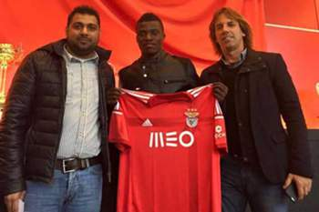 Jogador de 18 anos chega à Luz proveniente do Nacional.