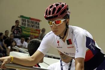 O português Ivo Oliveira conquistou hoje o título mundial de perseguição individual, nos Campeonatos do Mundo de ciclismo de pista de juniores, em Gwang Meyong, na Coreia do Sul.