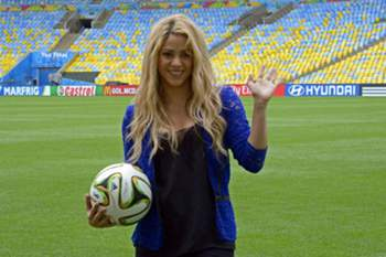 A cantora participa na festa de encerramento do Mundial2014.