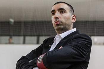 Treinador de futsal do Benfica.