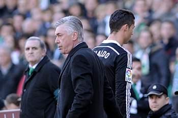 No jogo com o Córdoba, o jogador português agrediu Edimar (ex-Rio Ave) e viu o vermelho direto.