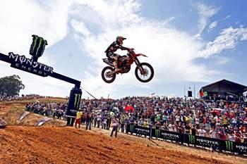 O piloto português Rui Gonçalves em ação no Grande Prémio de Portugal de motocrosse. PAULO NOVAIS/LUSA