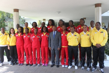 Guebuza recebe seleção feminina de basqutebol de Moçambique