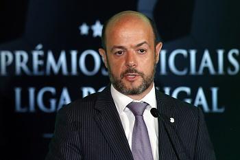 FIFA continua a aguardar esclarecimentos sobre impasse