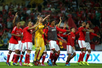 Benfica players celebrate after wining the Portuguese Candido de Oliveira Supercup against Rio Ave, following their soccer match held at Aveiro Stadium, in Aveiro, 10 August 2014.