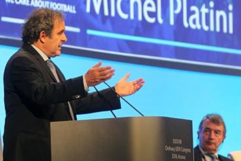 O presidente da UEFA retirou o seu apoio a Joseph Blatter.