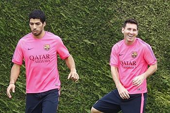 Suárez e Messi num treino do Barcelona