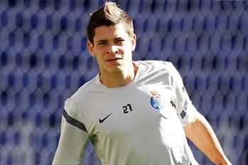 O jovem extremo argentino deseja que o FC Porto o ceda ao River Plate pelo menos por seis meses.