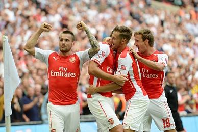 Arsenal empata com Tottenham e falha assalto ao 3.º lugar