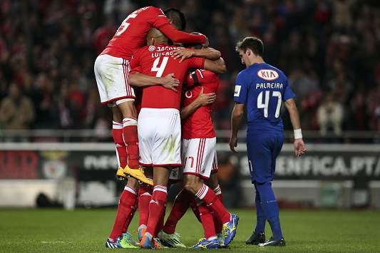 Benfica vence Belenenses por 3-0
