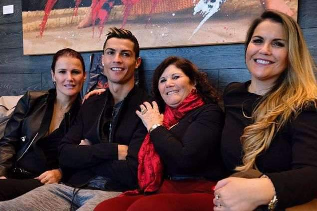 Ronaldo vai levar a família à Gala