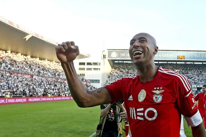 Luisão pode recuperar para o jogo com o Sporting