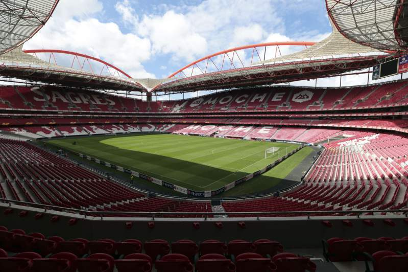 Benfica ataca uefa e fifa por causa dos fundos de for Piso 0 estadio da luz