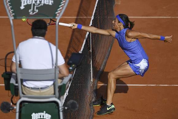 No Open de França joga-se dos dois lados da rede
