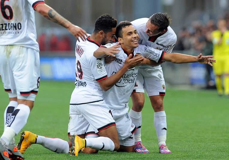 Carlos Eduardo vs Guingamp (14/15): 5 golos em 52m