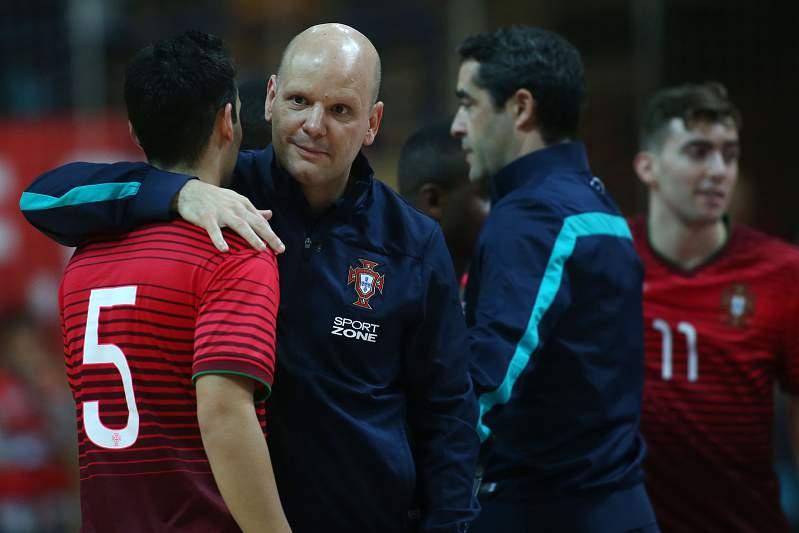 Jorge Braz leva Portugal ao playoff