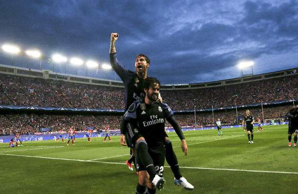 Sergio Ramos celebra com Isco
