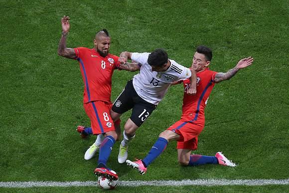 Chile em confronto com a Alemanha