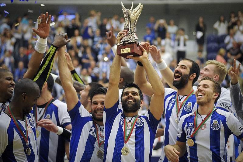 Maio: FC Porto volta a dominar no andebol
