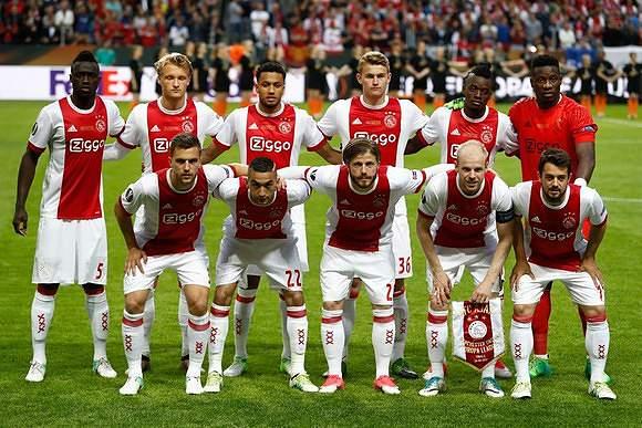 Ajax pronto para a Europa