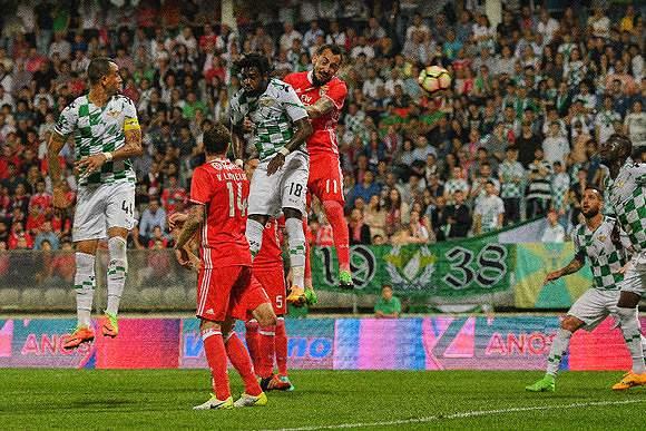Benfica viu-se grego para vencer em Moreira