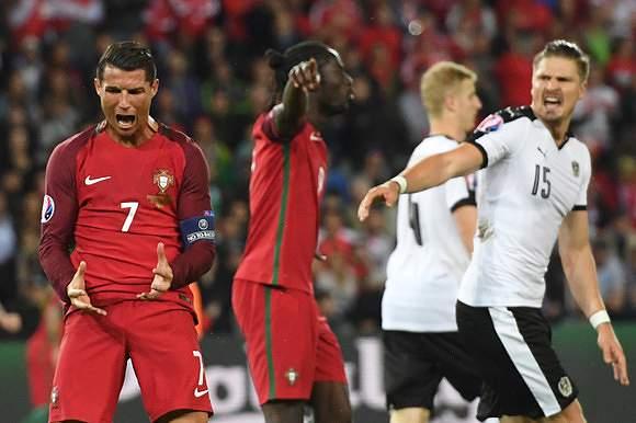 Frustação de Ronaldo frente à Áustria