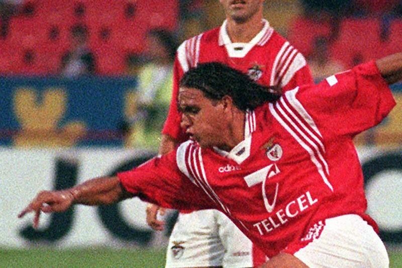 Nuno Gomes vs Leça (97/98): 5 golos em 76m