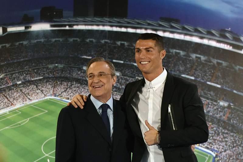 Ronaldo renova com o Real