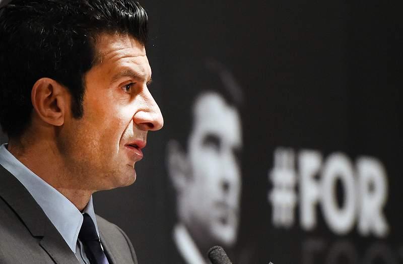 Figo apresenta candidatura à presidência da FIFA