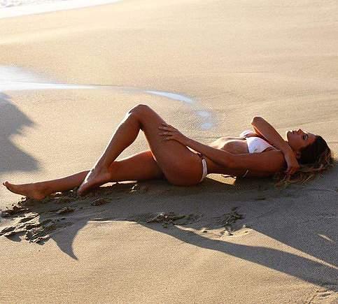 Anastacia Ashley (Surfista)