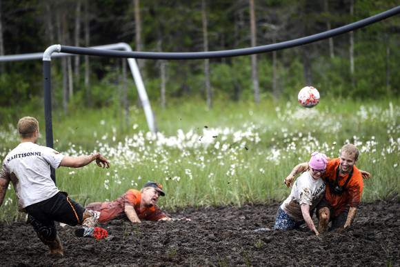 Futebol num 'relvado' diferente