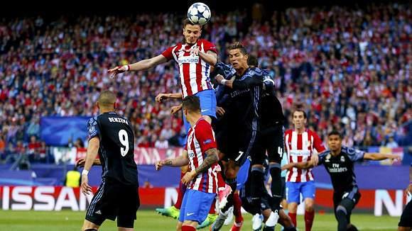 Ronaldo perde nas alturas