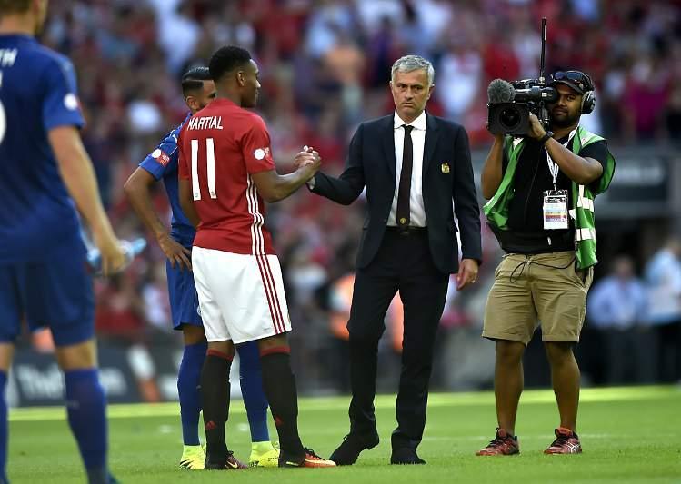 07/08: Mourinho vence primeiro título no United