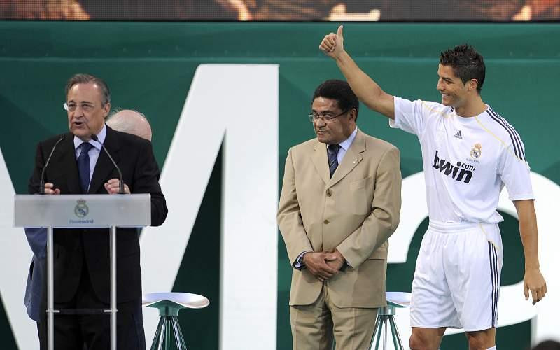 Apresentação no Real Madrid (06/07/09)