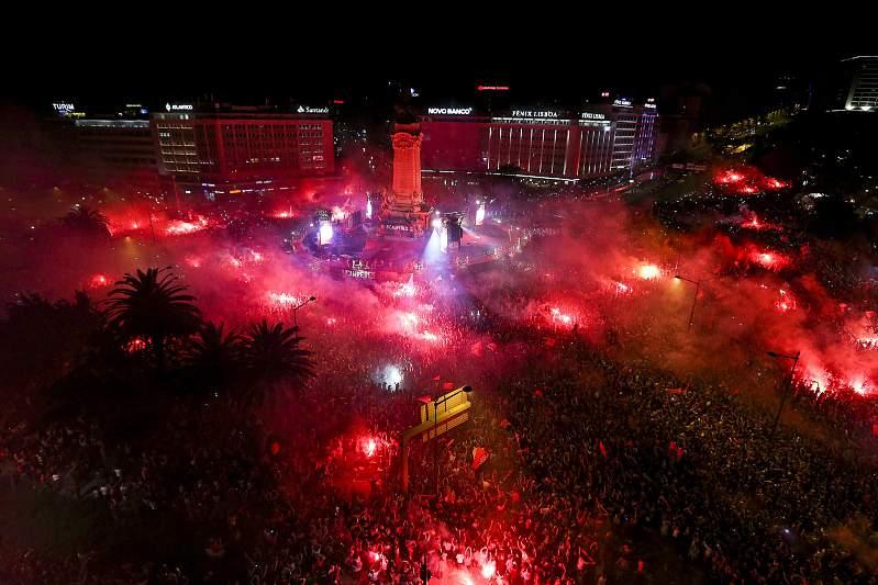 Maio: Benfica sagra-se bicampeão nacional