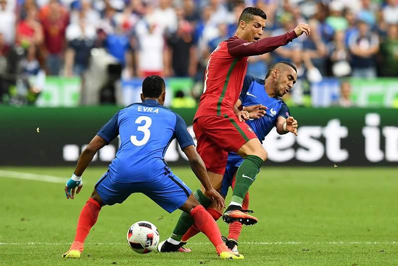 Cristiano Ronaldo no momento da lesão