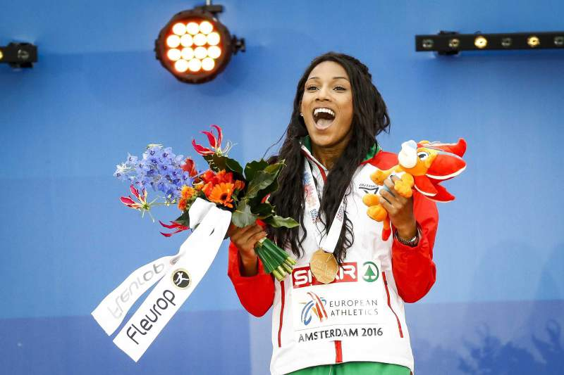 10/07: Mamona vence ouro nos Europeus