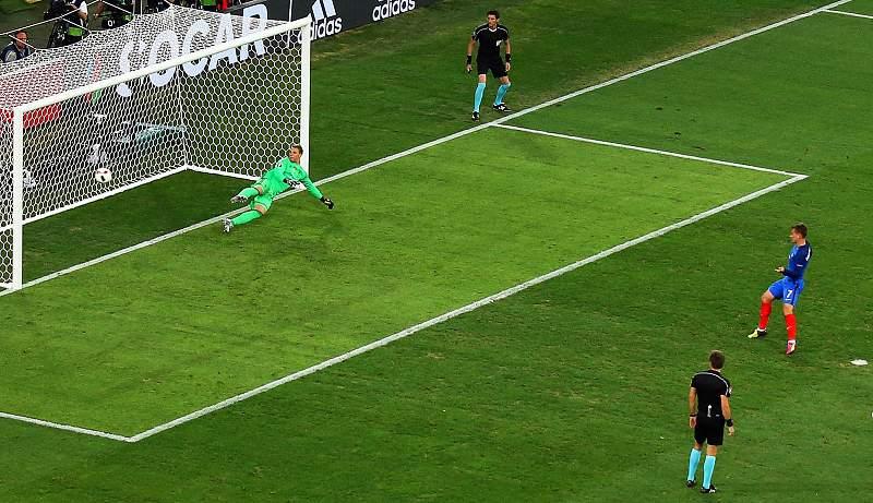 Griezmann não treme perante Neuer