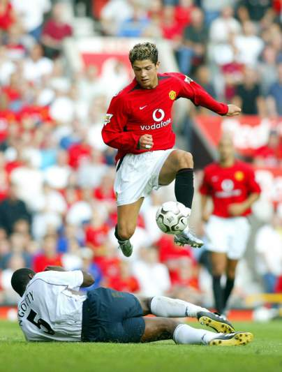 Estreia pelo Manchester United (16/08/03)