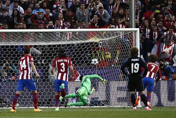 Griezmann faz o 2-0, de penalti