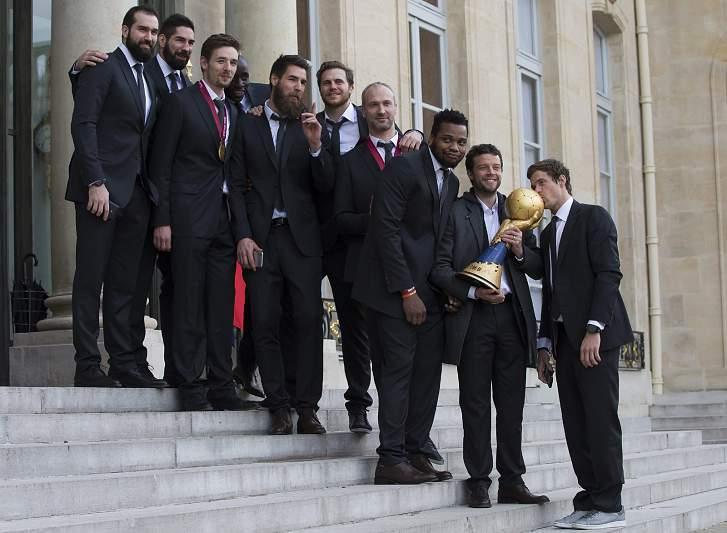 França antes de receber o presidente da França